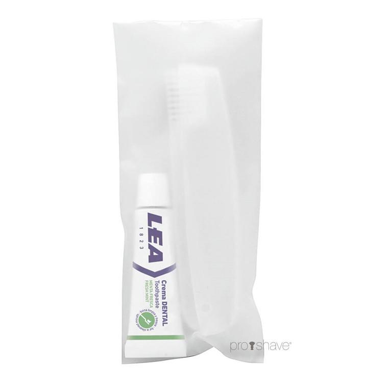 LEA Dental Kit med foldetandbørste og tandpasta (8 gr.)