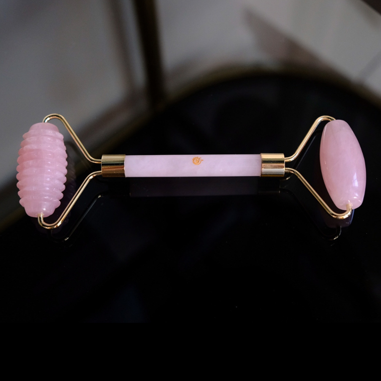 Honest Beauty Talks Pro Glow Skinroller, Rosakvarts