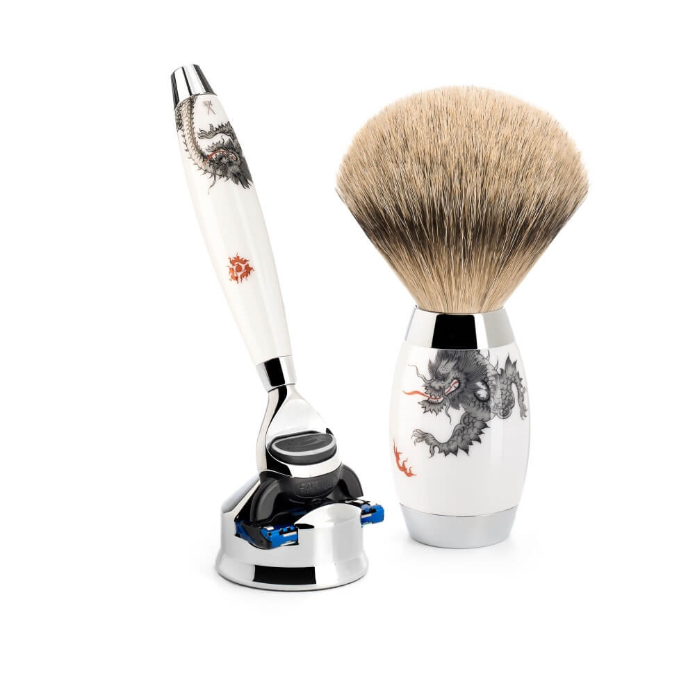 Image of   Mühle x Meissen Porcelain Barbersæt med Fusion Skraber, Silvertip Barberkost og Holder, Porcelæn