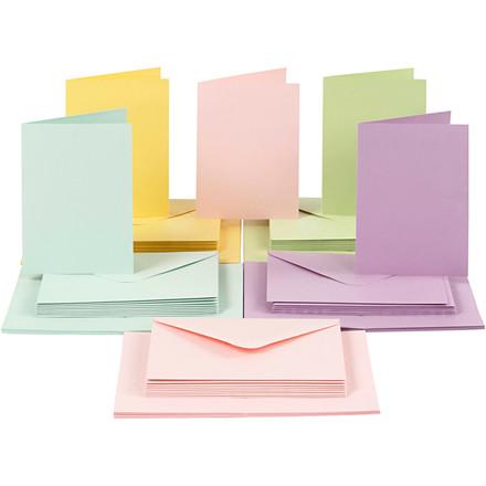 Kort og kuverter, kort str. 10,5x15 cm, kuvert str. 11,5x16,5 cm, pastelfarver, 50sæt