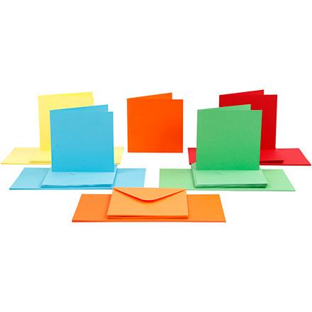 Kort og kuverter, kort str. 15x15 cm, kuvert str. 16x16 cm, ass. farver, 50sæt
