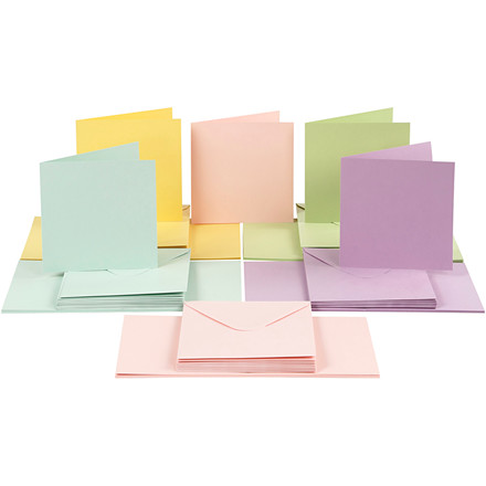 Kort og kuverter, kort str. 15x15 cm, kuvert str. 16x16 cm, pastelfarver, 50sæt