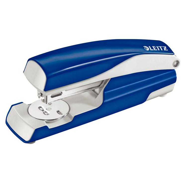 Hæftemaskine Leitz 5502 blå - hæfter op til 30 ark
