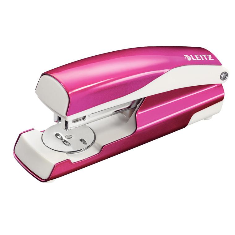 Hæftemaskine Leitz 5502 WOW - hæfter op til 30 ark i pink