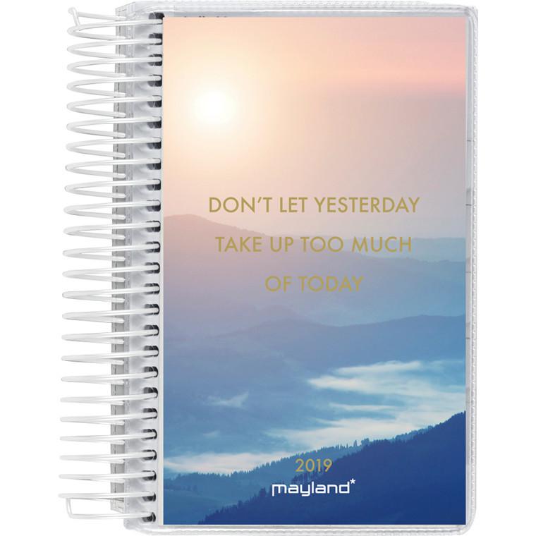 Mayland Minispiralkalender 2019 PP med 4 illustrationer 8 x 12,6 cm 1 dag/side - 19 2305 00