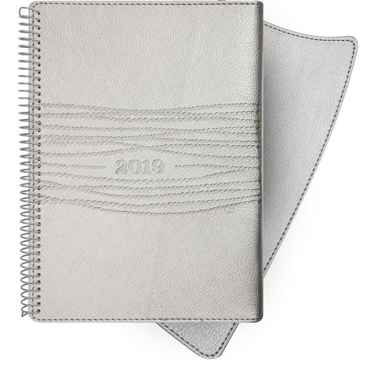 Ugekalender Mayland 2019 A6 Senator sølv kunstskind med klap 10,5 x 15 cm tværformat - 19 2012 10