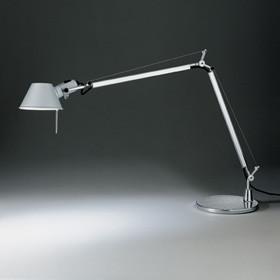 Tolomeo bordlampe med base fra Artemide