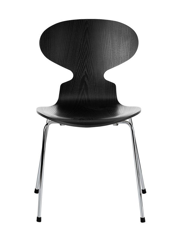 3101 Myren stol i farvet ask af Arne Jacobsen
