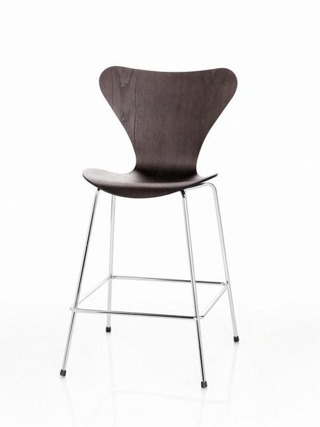 3197 Høj barstol af Arne Jacobsen