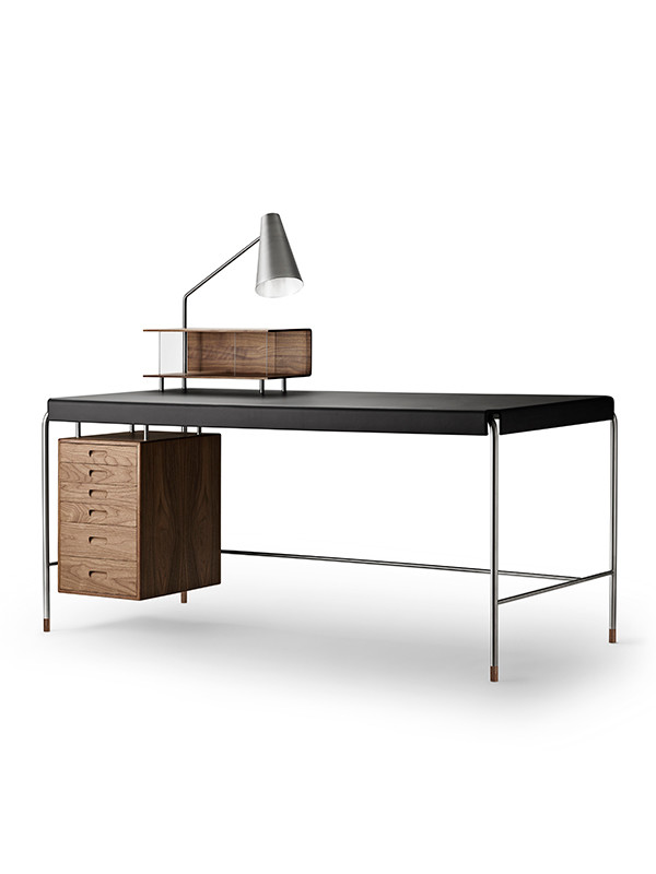 AJ52 Society Table fra Carl Hansen & Søn