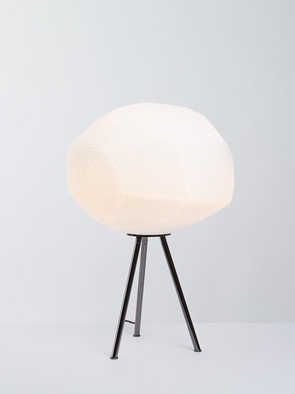 Gemo M bordlampe fra Parachilna