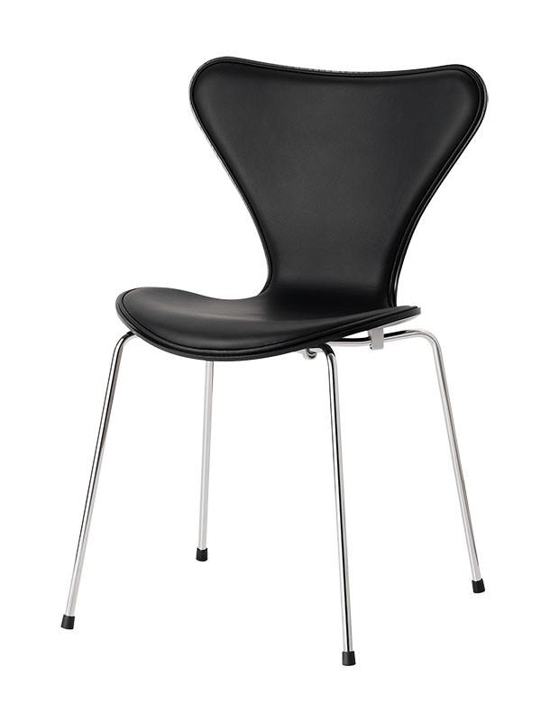 3107 stol med læder og sort skal af Arne Jacobsen