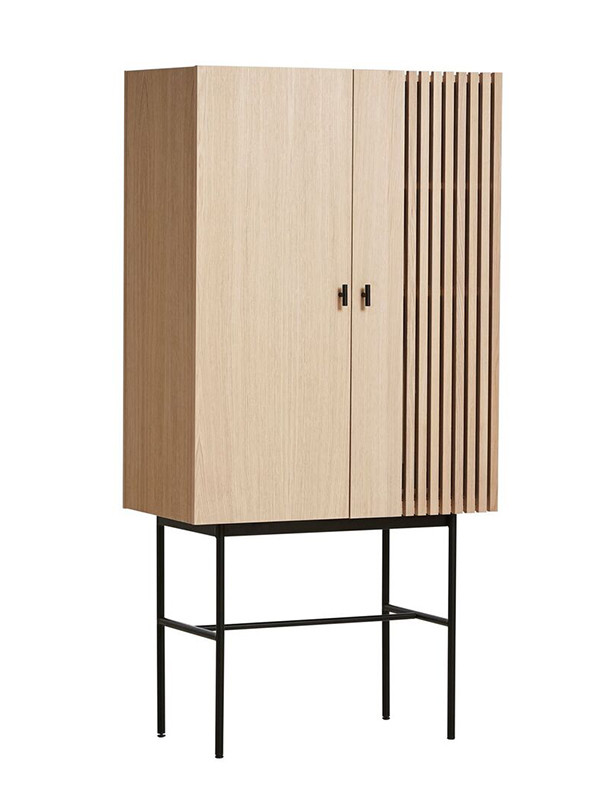 Array Highboard fra Woud