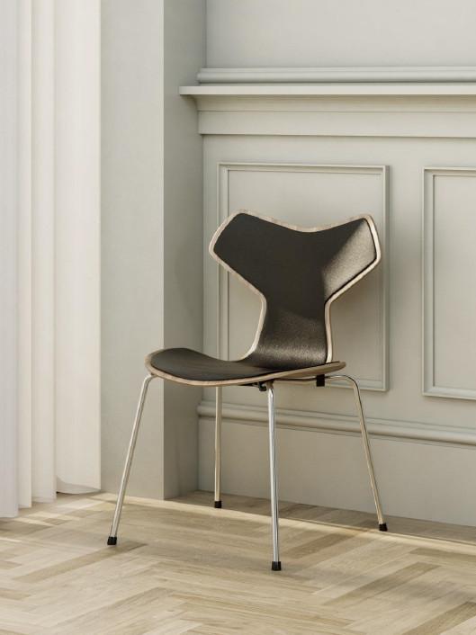 Grand Prix stol, forsidepolstret af Arne Jacobsen