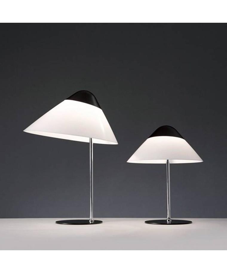 Opala bordlampe af Hans J. Wegner