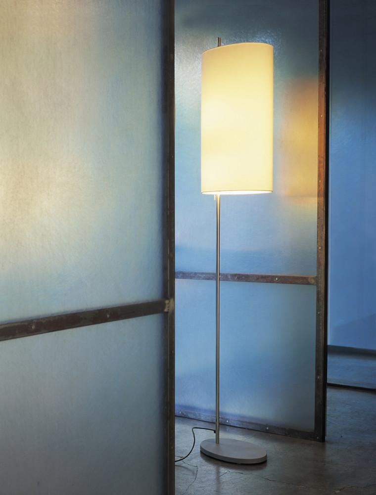 AJ Royal gulvlampe af Arne Jacobsen