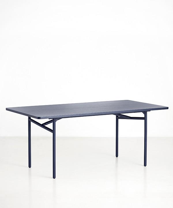 Diagonal spisebord fra Woud