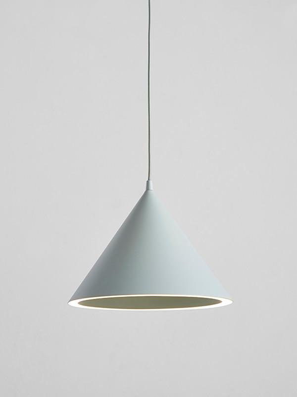 Annular lampe fra Woud