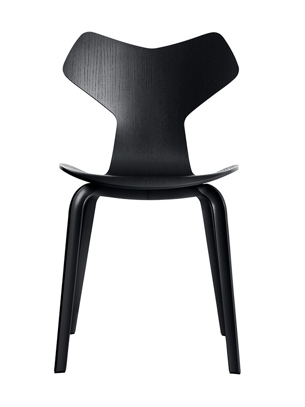 4130 Grand Prix med træben af Arne Jacobsen
