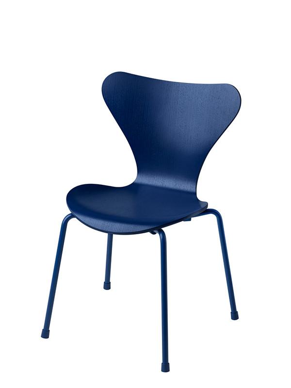 3177 | Barnestol, Serie 7 af Arne Jacobsen