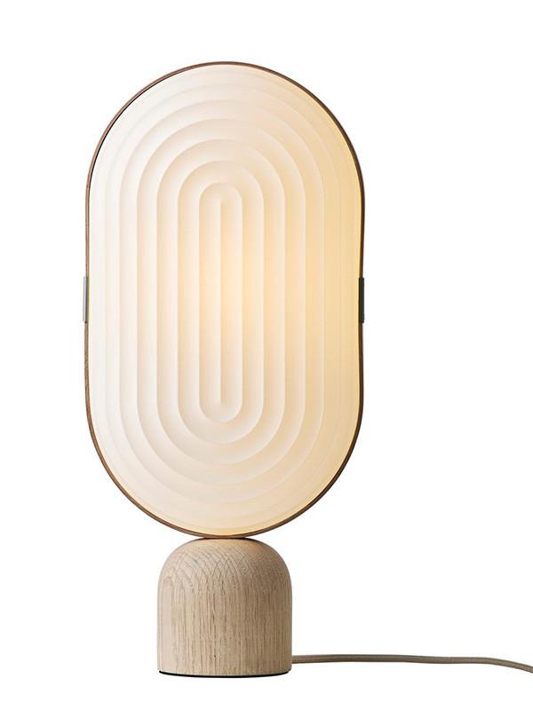 Arc Nordic bordlampe fra Le Klint