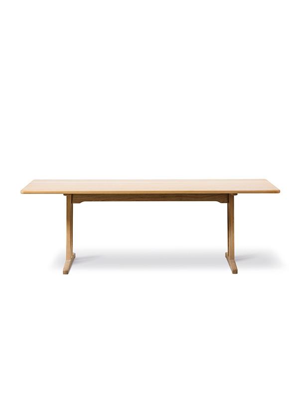 Shaker bord C18 af Børge Mogensen