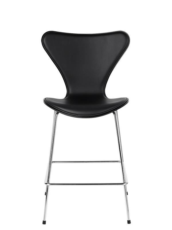 Forsidepolstret barstol fra Fritz Hansen
