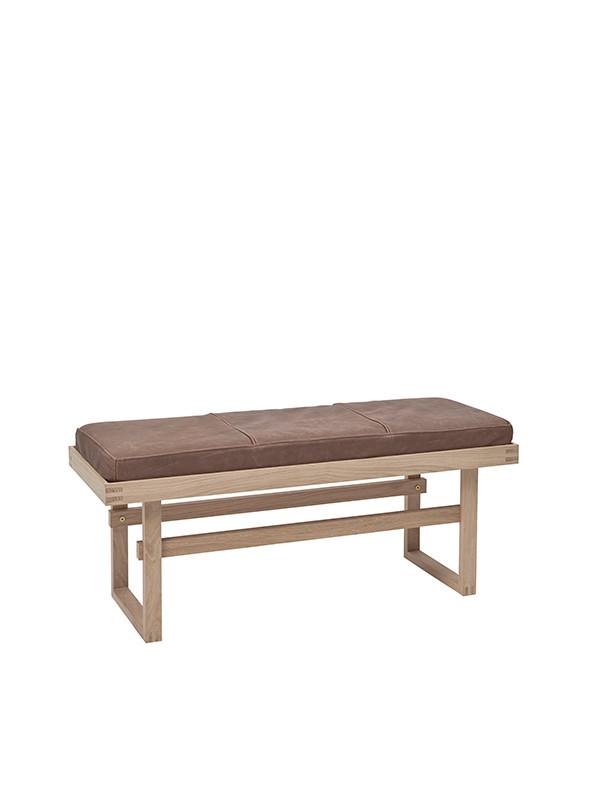Vertical bench af Kristina Dam