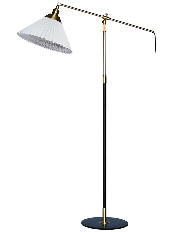 349 standerlampe fra Le Klint