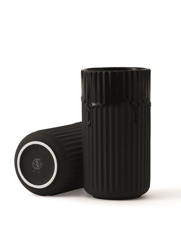 Lyngbyvasen med sort løbeglasur fra Lyngby Porcelæn