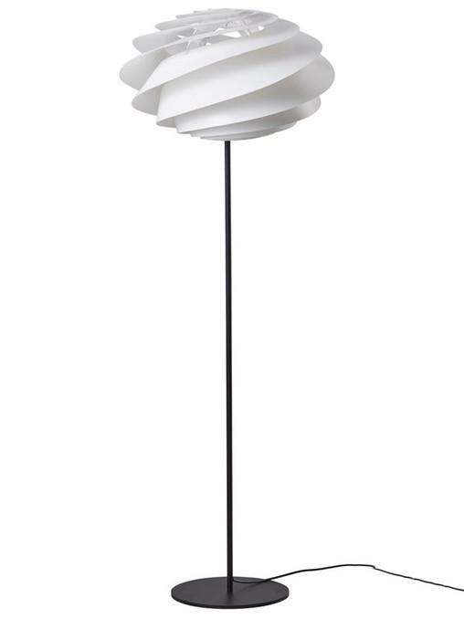 Swirl gulvlampe fra Le Klint