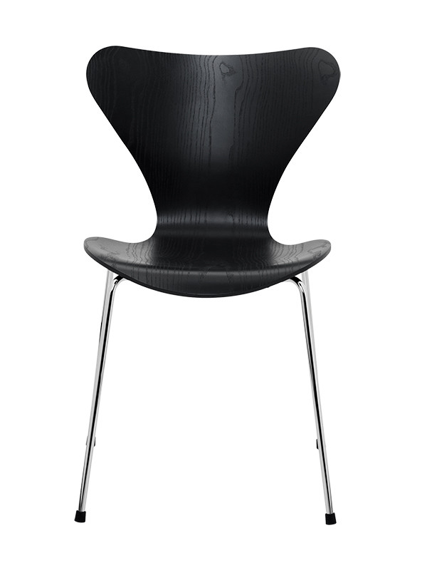 3107 | Serie 7 stol i farvet ask af Arne Jacobsen