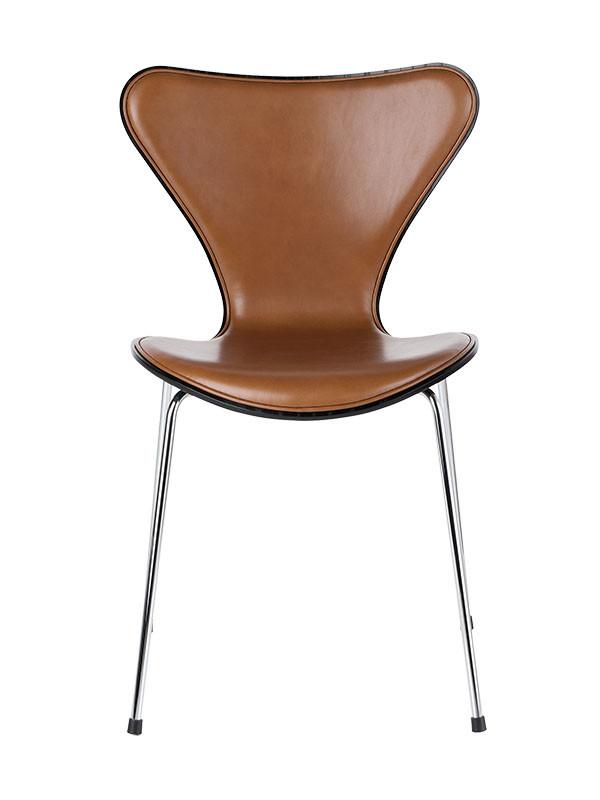 3107 Forsidepolstret med Extreme læder af Arne Jacobsen