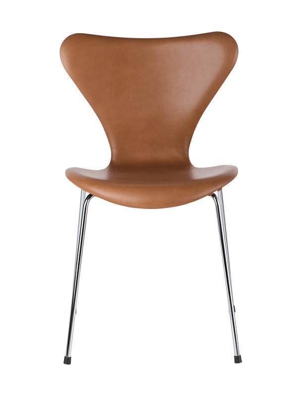3107 med Extreme valnød læder af Arne Jacobsen