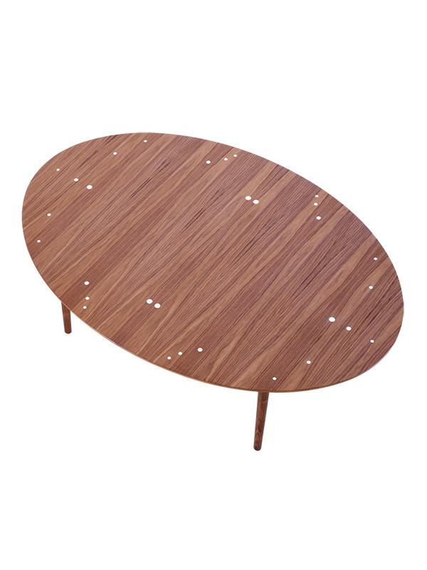 Sølvbordet af Finn Juhl