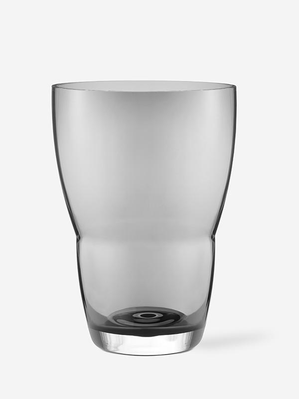 Vase i røget glas fra Vipp