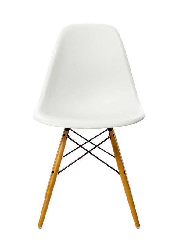 Eames Plastic Side Chair (DSW), ahorntræ