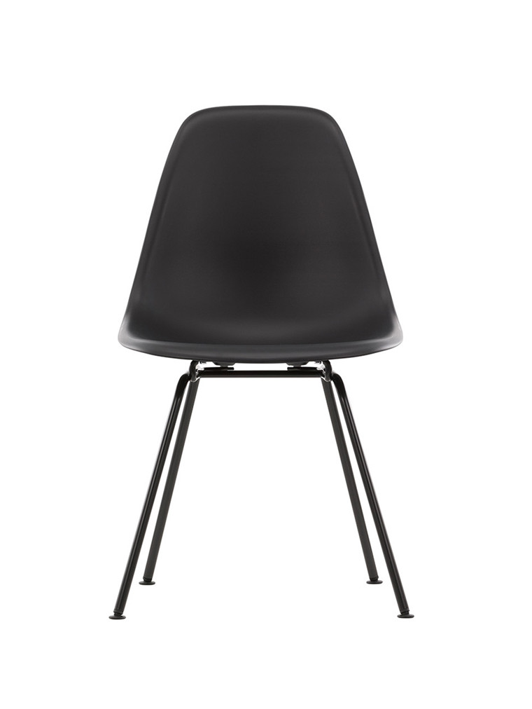 Eames Plastic Side Chair DSX, sort pulverlakeret fra Vitra