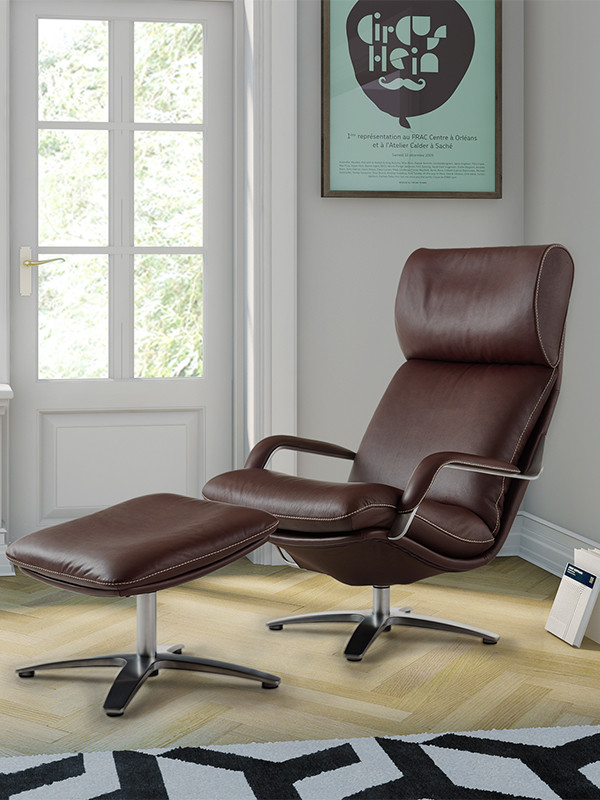 Nasa lænestol med skammel fra Berg Furniture
