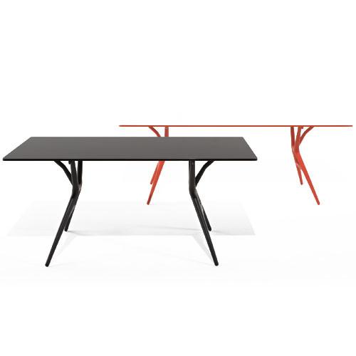 Spoon Table fra Kartell