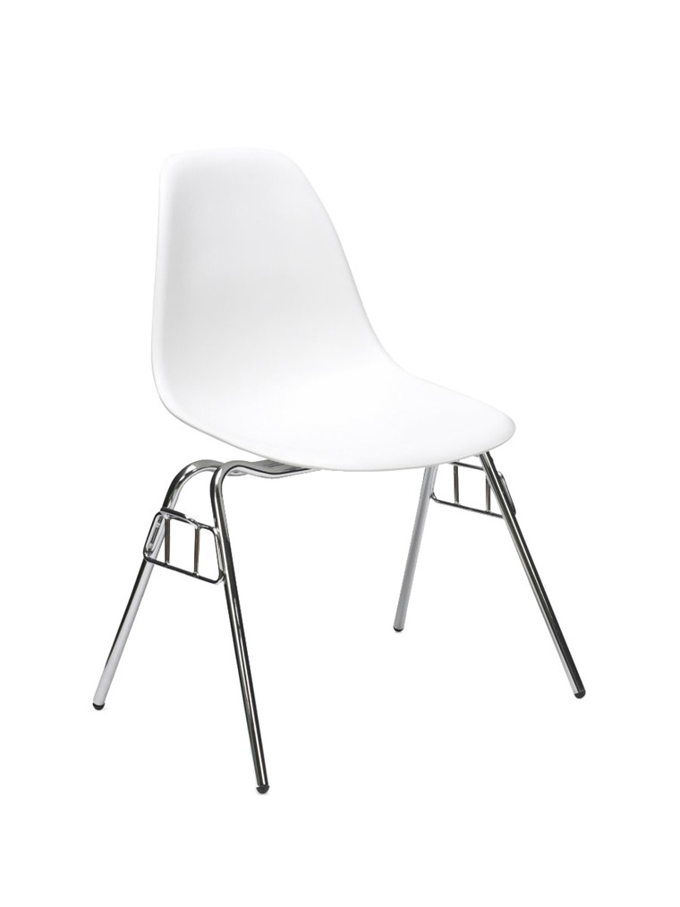 Eames Plastic Side Chair DSS, stabelbar fra Vitra