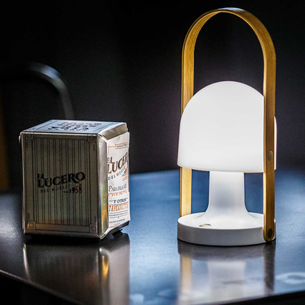 Follow Me bordlampe fra Lampefeber
