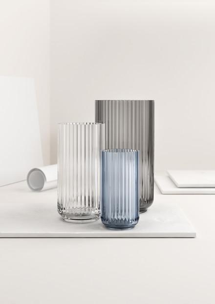 Lyngbyvasen i røget glas fra Lyngby Porcelæn