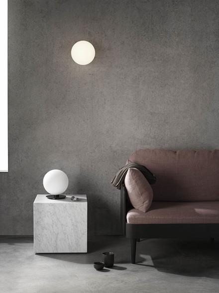 TR Bulb Bordlampe/Væglampe fra Menu