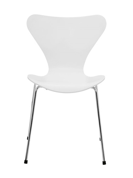 3107 syver stol, hvidlakeret af Arne Jacobsen