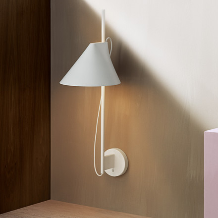 Yuh væglampe fra Louis Poulsen