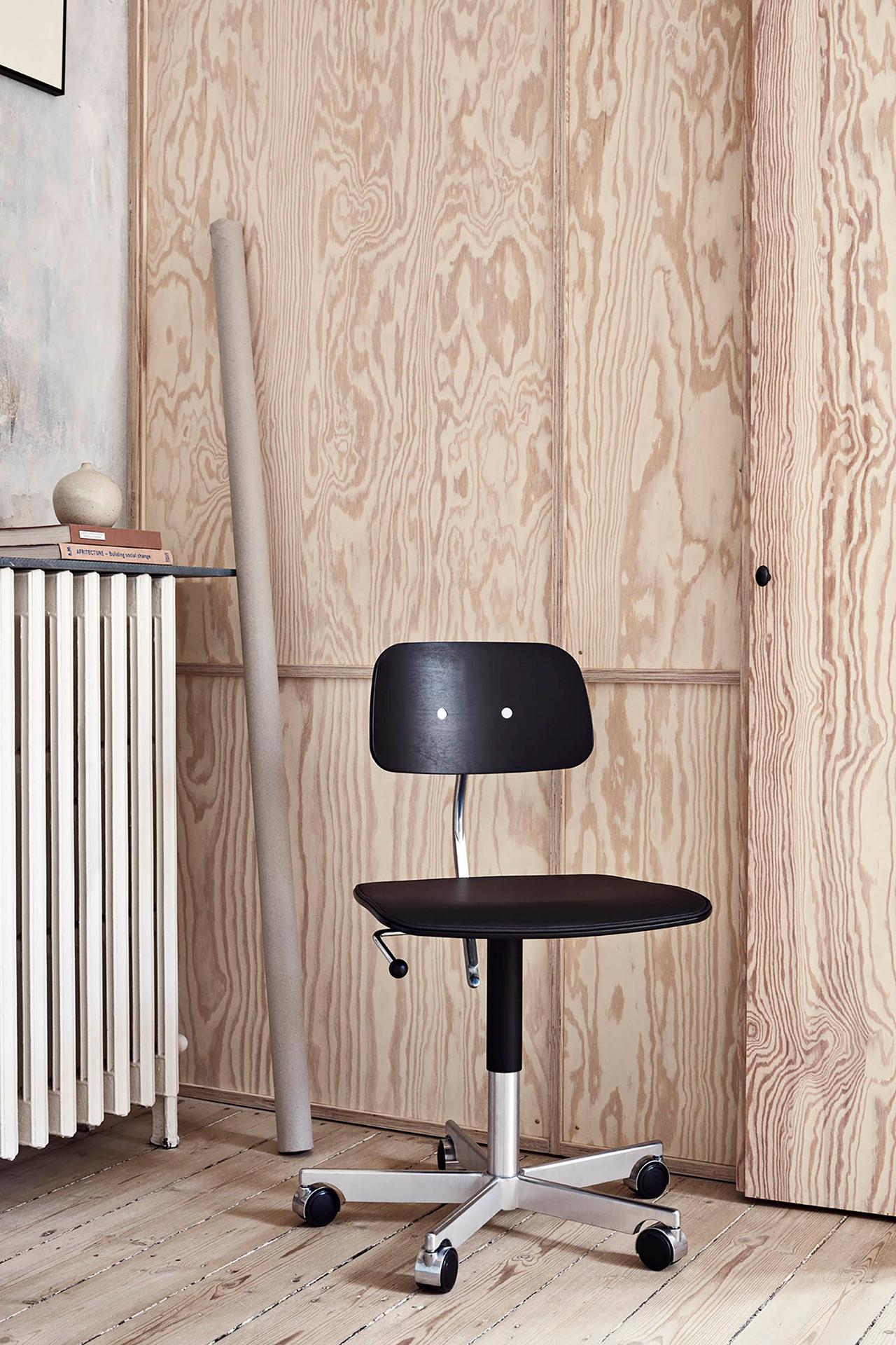 Sort Kevi kontorstol | Køb 2533 stol fra Engelbrechts her