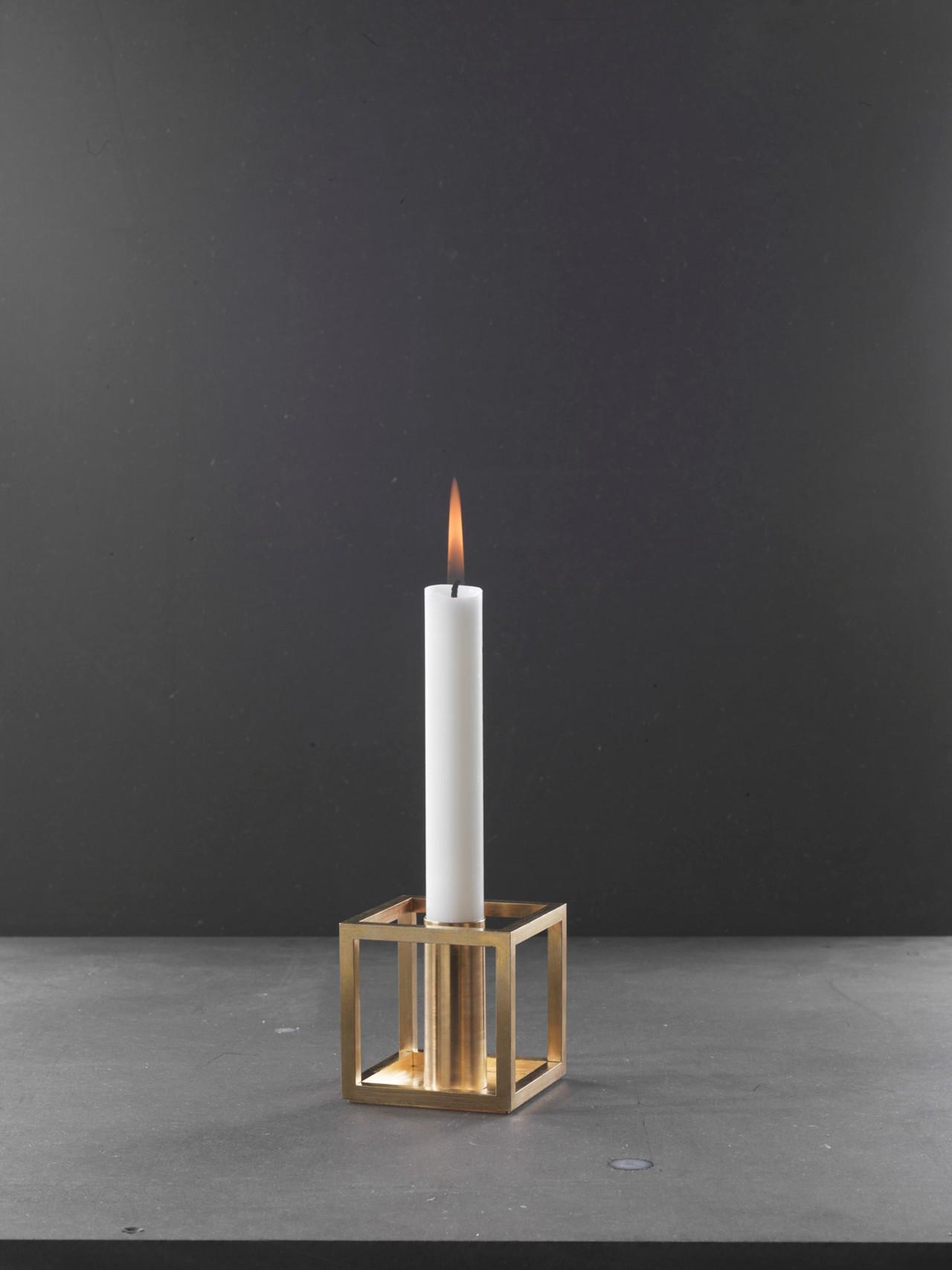 fd72fc56d6b1 Kubus 1 messing lysestage fra By Lassen