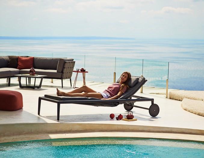 conic solseng k b conic liggestol fra cane line her. Black Bedroom Furniture Sets. Home Design Ideas
