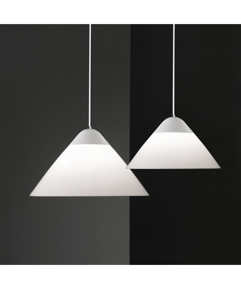 Opala pendel Kob lampen af Hans J Wegner her